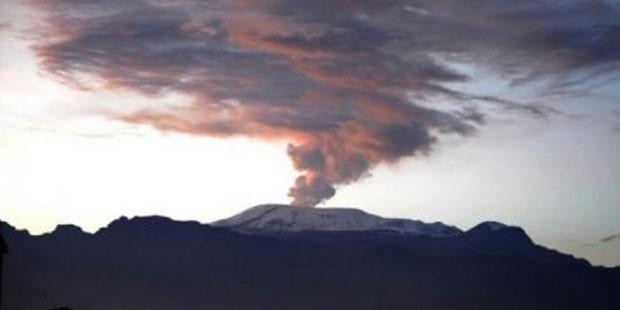 Kolombiya'daki Nevado del Ruiz yanardağı hareketlendi