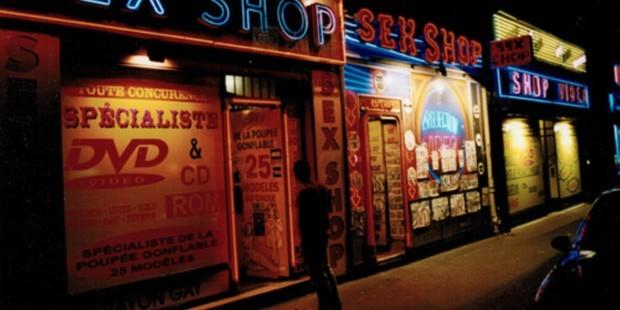 19ea96de3530a 'Kadınlar erkekleri seks shop'a alışverişe gönderiyor'