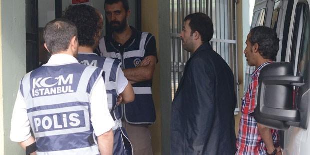 Yasa dışı dinleme operasyonunda bir polis tutuklandı