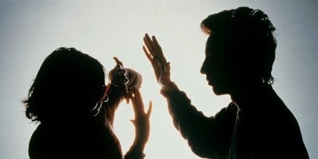 Çayı geç koyduğu için eşine şiddet uygulayan adama 2 yıl hapis cezası!