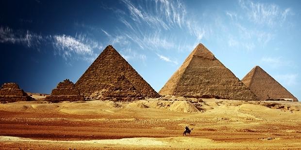 IŞİD'den yeni hedef: Mısır piramitlerini patlatacağız
