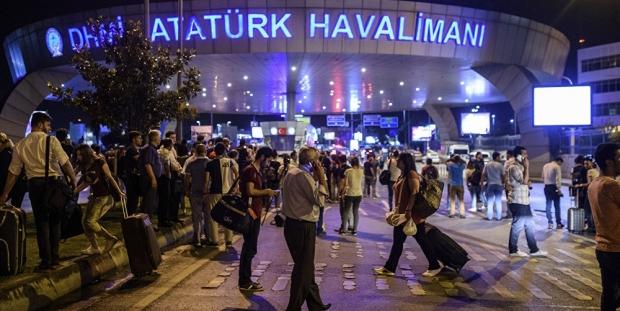 THY: Atatürk Havalimanı'na varışlı ve çıkışlı tüm kullanılmamış biletler ücretsiz iade edilecek