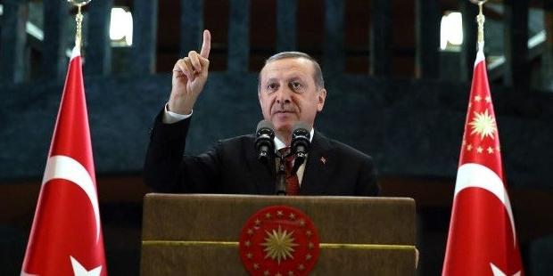 Times: Erdoğan oylarını satın almak için 2.7 milyon Suriyeliye vatandaşlık öneriyor