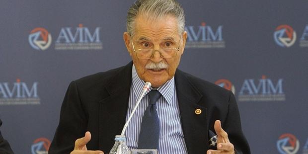 Emekli Büyükelçi Elekdağ: Cumhurbaşkanı esip gürlemeyi bıraksın, Musul'dan önce Kandil'e baksın