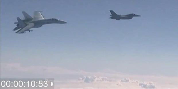 """Baltık Denizi'nde NATO ve Rus uçakları arasında """"it dalaşı"""""""