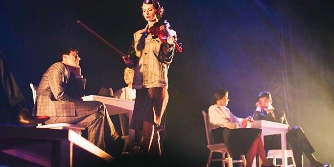 Kürk Mantolu Madonna Tiyatroya Uyarlandı Bu Matematik üzerinde