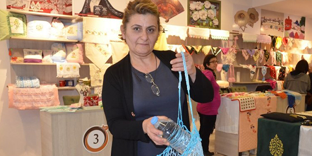d731c031df467 Esnaftan kampanya: 5 plastik şişe getirene bez çanta hediye