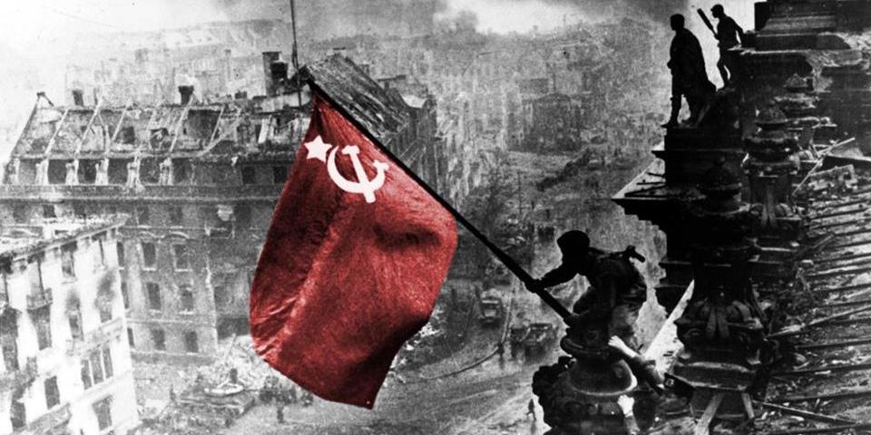 Rusların yüzde 45'i Sovyetler Birliği'nin çökmesini utanç verici buluyor